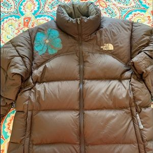 NORTH FACE WOMENS PUFFER JACKET XL W/ EMBROIDERY